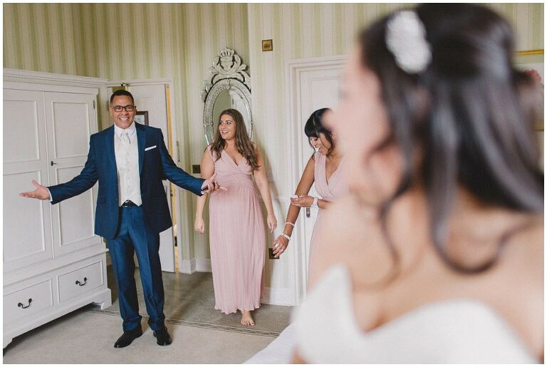 Reportage-Wedding-Photography-What-Is-Documentary-Photojournalism-Examples-23