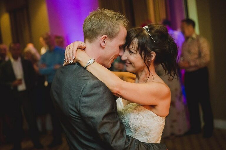 Wedding Photographer Wotton House First Dance